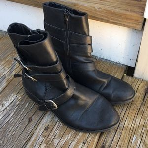 Size 8 1/2 Ana motorcycle boots